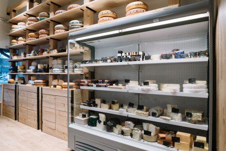 Sūrių, užkandžių lėkštės