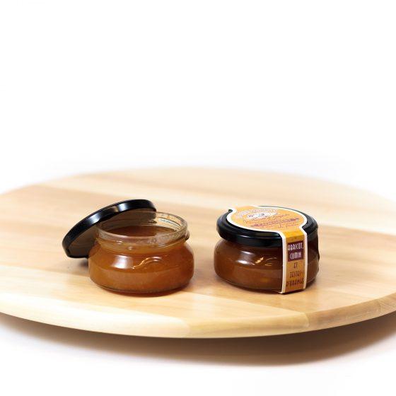 Abrikosų, apelsinų žievelių ir kumino džemas Camembert tipo sūriams